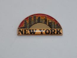 Pin's VILLE DE NEW YORK  02 - Villes