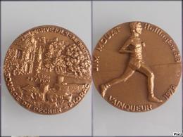 Médaille En Bronze De La Course Pédestre Marvejols-Mende 7e édition 29/07/1979 - Athletics