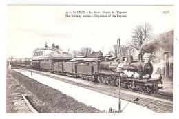 Bayeux (14 - Calvados)  37 - La Gare - Départ De L'Express - Bayeux