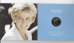 Piece Commemorative De 5 Pound En Memoire  De DIANA Et ELISABETH II Dans Un Coffret - Coins