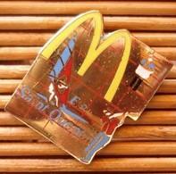 Joli Pin's Mc Donald's Saint Quentin, émail Grand Feu, TBQ, Pins Pin. - McDonald's