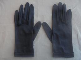 Ancienne Paire De Gants Noir Pour Femme Années 60 - Vintage Clothes & Linen