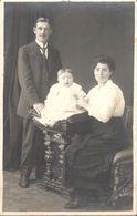 CPA - Thèmes - Photographie - Portrait De Famille - Photo - Photographie