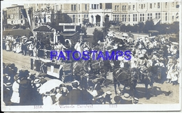 100798 CANADA COSTUMES VICTORIA CARNIVAL CARRIAGE CUT CIRCULATED TO FRANCE POSTAL POSTCARD - Canada