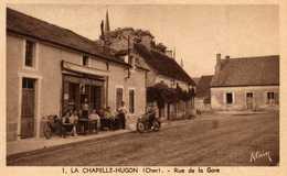 LA CHAPELLE-HUGON - Rue De La Gare - Epicerie  Tabac - Terrasse Animée, Motard - France