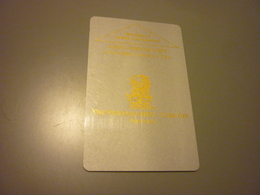 China Shanghai The Ritz-Carlton Hotel Room Key Card (grey Card With Golden Letters) - Cartes D'hotel