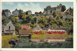 Un Autorail De 150 Ch Et Sa Remorque Longeant Le Canal Du Nivernais ,prés Chatel Censoir - Trains