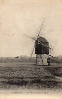 OUESSANT - Un Vieux Moulin à Vent - Ouessant