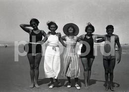 50s SWIMSUIT WOMEN FEMME BEACH FASHION  PORTUGAL 60/90mm AMATEUR NEGATIVE NOT PHOTO NEGATIVO NO FOTO - Photographica