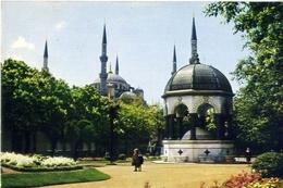 Alman Cesmesi Ve Sultanahmet Camiinin Gorunusu - Blu Mosque - Formato Grande Non Viaggiata – E 7 - Cartoline