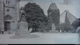 PLAQUE DE VERRE OBERNAI MONUMENT L'ALSACE A MONSEIGNEUR FREPPEL 1914   FORMAT  12 X 9 CM - Glass Slides