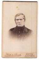 Fotografie Hark & Boeck, Stettin, Portrait Mann Mit Zeitgenöss. Frisur - Anonyme Personen