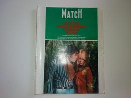 Paris Match  N° 902 BRIGITTE BARDOT Jacques ANQUETIL 23/07/1966 IRLANDE 1916/1966 .16 P BRIGITTE FOSSEY MIREILLE MATHIEU - People