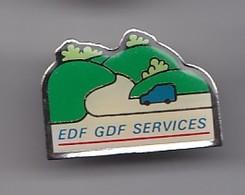 Pin's EDF GDF Services  Renault 4L Réf 4994 - EDF GDF