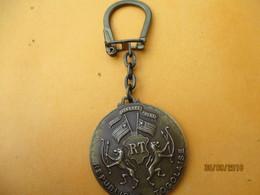 Porte-clé Publicitaire Métallique/Aéronautique/ AIR AFRIQUE/ République Togolaise/ Bronze/Vers 1960-1980     POC358 - Key-rings