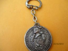 Porte-clé Publicitaire Métallique/Militaria/Garde Républicaine De Paris/ Bronze Nickelé Mat/Vers 1960-1980     POC362 - Key-rings