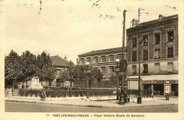 PARIS  LE METRO  ISSY LES MOULINEAUX Place Voltaire METRO Corentin - Métro Parisien, Gares