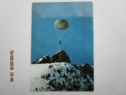 CP 64  Posté GER Vers Pontacq -  Saut En Parachute  Photo P. Dujardin 64 PAU En 1966 - Pontacq