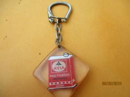 Porte-clé Publicitaire/Lubrifiant/AVIA Multigrade/Motor Oil/ Inclusion Plastique/Vers 1960-1970  POC373 - Key-rings