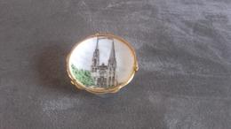 Assiettes De Décoration La Cathédrale De Chartres - Recordatorios