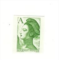 Liberté A Vert YT 2423a En Non Dentelé . Rare , Voir Le Scan . Cote YT : 11.50 € . - Variétés Et Curiosités