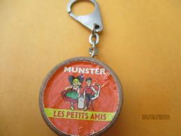 Porte-clé Publicitaire/Alimentation / Fromage/MUNSTER/ Les Petits Amis/Plastique /Vers 1960-1970  POC394 - Key-rings