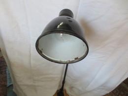 Ancienne Lampe Kaiser - Luminaires