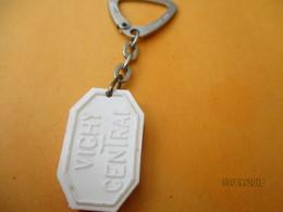 Porte-clé Publicitaire/Médicament/ Pastille Vichy/Bassin De VICHY/ Vichy Central / Plastique/Vers 1960-1970  POC384 - Key-rings