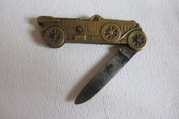 Petit Couteau Ancien  Voiture Avec Sur Le Pneu Coursulle - Publicidad