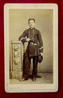 Cdv CARTE DE VISITE PHOTOGRAPHIE MILITAIRE UNIFORME- PHOTOGRAPHE FRANCK à PARIS - Guerre, Militaire