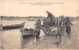 33 - GIRONDE / Andernos  - 33537 - Parqueurs Déchargeant Les Huitres - Andernos-les-Bains