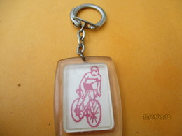 Porte-clé Commémoratif/Sport/ Tour Cycliste De L'YONNE/plastique/1966    POC378 - Porte-clefs