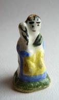 FEVE ANCIENNE -  MAURIN - CRECHE SANTON - Femme FILEUSE - Histoire