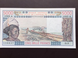 WEST AFRIC STATE P108A 5000 FRANCS 1989 UNC - West-Afrikaanse Staten