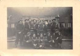 Militaria Photo - Animée, Caserne Baudouin à Hoogboom - Guerre, Militaire