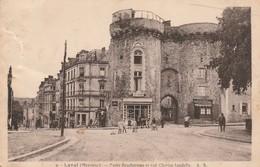 Rare Cpa Laval La Porte Beucheresse Et La Rue Charles Landelle Animée - Laval