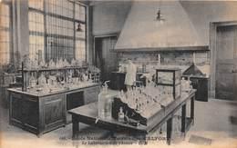 ALFORT - Ecole Nationale Vétérinaire - Le Laboratoire De Chimie - Maisons Alfort