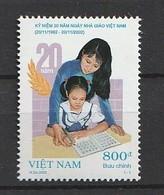 Vietnam 2002 THE 20th Anniversary Of Vietnamese Teacher's Day 1v NH - Viêt-Nam
