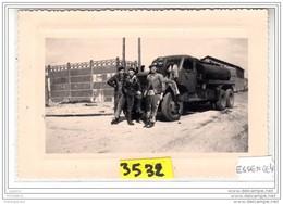 7976 ESSENCE4  AK PC  PHOTOGRAPHIE 14X9  3532 CAMION GMC CITERNE CARBURANT COMPAGNIE SUNIC PETROLE - Camion, Tir