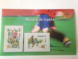 Hoja Bloque 2 Sellos Copa Mundial De Fútbol. España '82. Sin Circular. Reproducción Actual De Los Sellos Autorizada - Blocchi & Foglietti