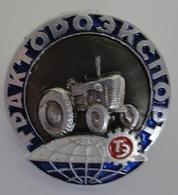 Russian Soviet Pin Badges Traktoroexport USSR Russie - Russland - Rusland - Merken