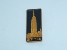 Pin's GATTE CIEL, NEW YORK - Villes