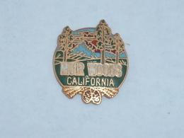 Pin's SEQUOIAS MUIRS WOODS, CALIFORNIE - Villes