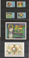 DOMINIQUE : Coupe Du Monde ITALIE 90 Années 1989/90 N°Y/T : 1243/46-1141/44-** Et Blocs N° 155** 174/175** Côte: 45,00 € - Dominique (1978-...)