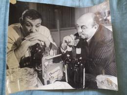 Photographie Ancienne De Cinéma Presse      LINO VENTURA Et BERNARD BLIER - Célébrités