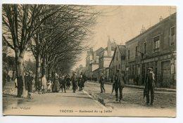 10 TROYES édit Wiland - Boulevard Du 14 Juillet Animation Allée Arbres 1915 écrite    /D22-2018 - Troyes