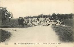 - Val De Marne -ref-525- Villiers Sur Marne - Zone Du Fort - Soldats Au Repos - Militaires - Militaria - - Villiers Sur Marne