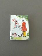PETIT CALENDRIER POUR 1950 Couverture Cartonnée,  Couple Sous Les Feuillages,avec Le Prénom Simone Inscrit . - Petit Format : 1941-60