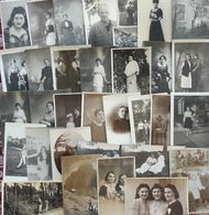 Lot De 50 Cartes Photos  - Femmes Anonymes - Cartes Postales