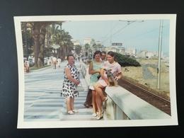 MENTON FRANCE SAN REMO ITALIE PLAGE MER MAILLOTS LOT 16 PHOTOS COULEURS RECTANGULAIRES BORDS BLANCS ANNÉES 1960  -  1970 - Luoghi
